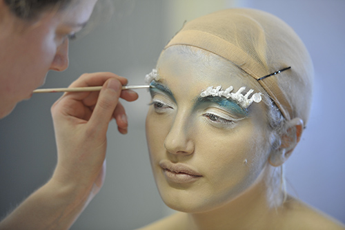 Behind the Scenes - Photoshoot - The Ice Queen - PHOTOSHOOT Magazine - Image - Copyright: Brian Lewicki